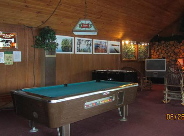 mainlodge_pooltable